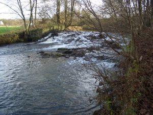 Damit wurde auf dem Wipperhof das Wasser gestaut und zum Obergraben umgeleitet.